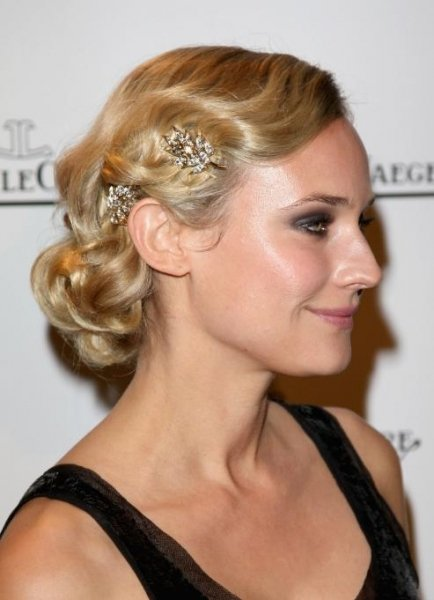 salon styler hairstyle. the prom hairstyles on the